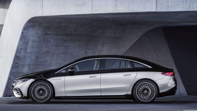 Nuova Mercedes EQS: visuale laterale