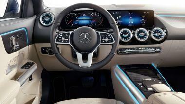 Nuova Mercedes GLA, ecco gli interni