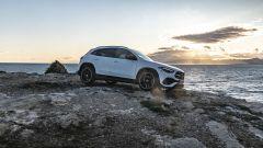 Nuova Mercedes GLA laterale