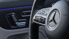 Nuova Mercedes GLA, volante