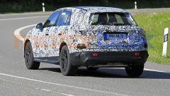 Nuova Mercedes GLC 2022: il tubo di scarico rivela che l'auto della foto è a motore termico