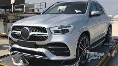 Nuova Mercedes GLE 2019: eccola senza camuffature - Immagine: 2