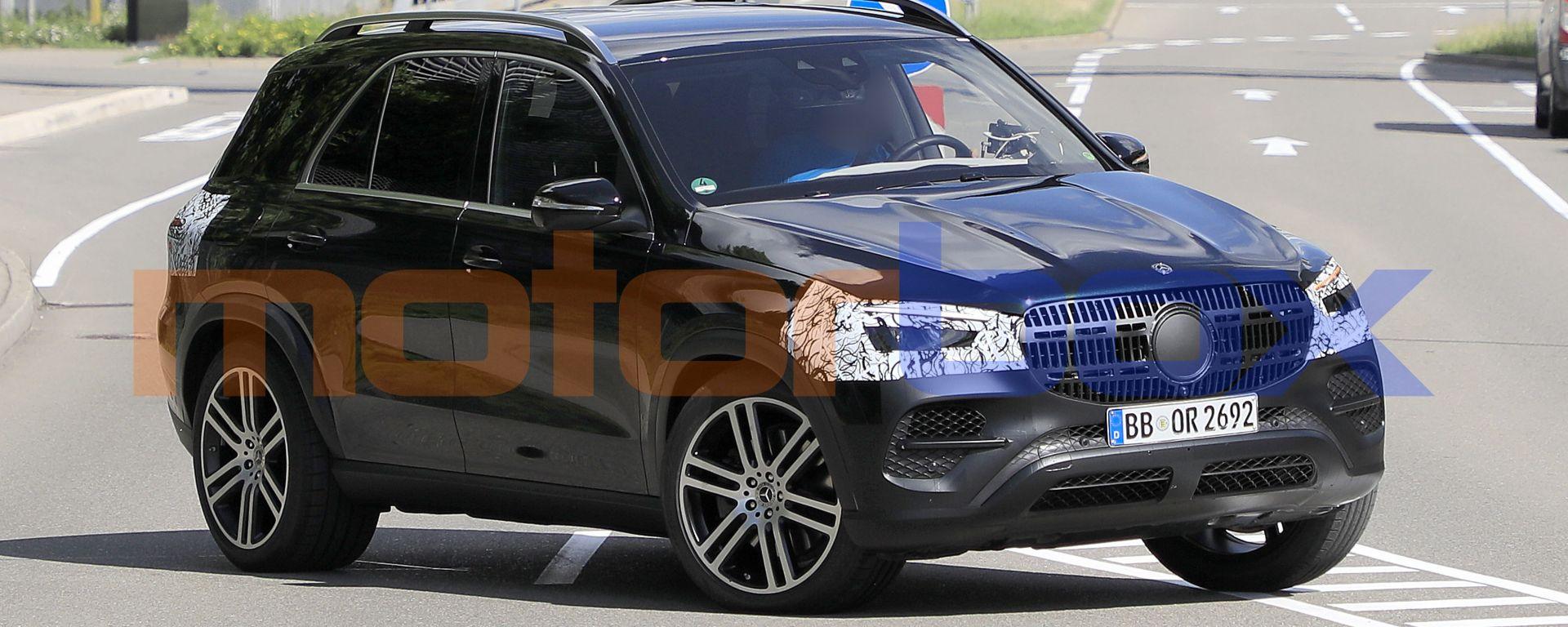 Nuova Mercedes GLE: i prototipi su strada durante i collaudi