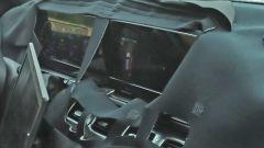 Nuova Mercedes GLS: le immagini spia degli interni - Immagine: 2