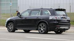 Nuova Mercedes GLS 2020: gli scarichi cromati sono finti