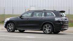 Nuova Mercedes GLS 2020: si notino i mancorrenti sul tetto