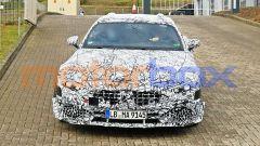 Nuova Mercedes SL: il frontale con i sottili fari full LED