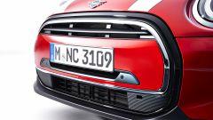 Nuova Mini 2021 3 porte: particolare del nuovo frontale
