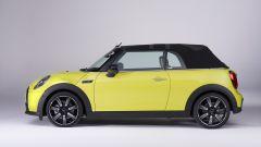 Nuova Mini 2021 Cabrio: con la capote chiusa