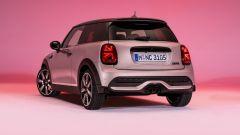 Nuova Mini 2021 S 3 porte: visuale di 3/4 posteriore