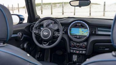 Nuova Mini Cabrio Sidewalk: l'abitacolo raffinato della macchina