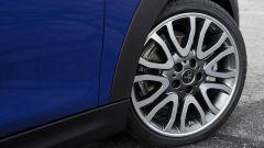 Nuova Mini Cooper S Cabrio 2018: il cerchio bicolore