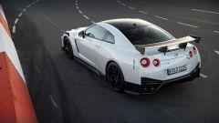 Nuova Nissan GT-R Nismo, 600 cv di potenza ultraleggera - Immagine: 8