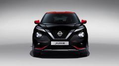 Nuova Nissan Juke 2020: il frontale in nero