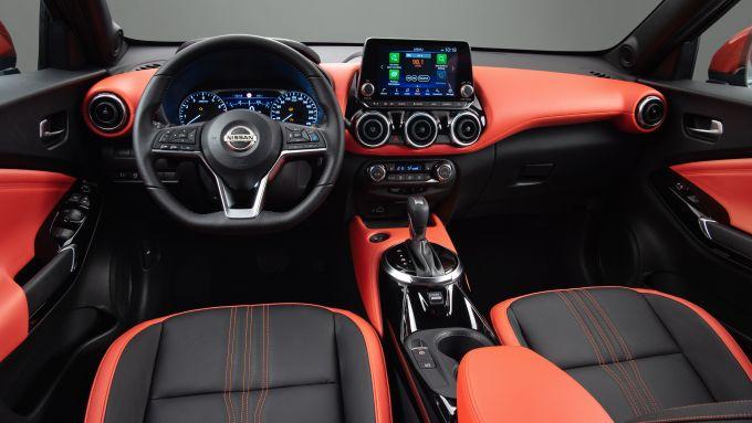 Nuova Nissan Juke 2020: l'abitacolo con interni bicolore