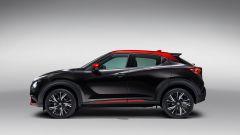 Nuova Nissan Juke 2020: vista laterale in nero