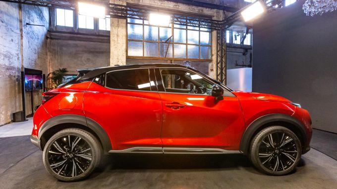 Nuova Nissan Juke 2020, vista laterale