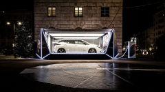 Nuova Nissan Leaf in esposizione a Milano, in Piazza XXV aprile