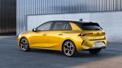 Nuova Opel Astra, plastica facciale e trapianto di cuore (ibrido) - Immagine: 5