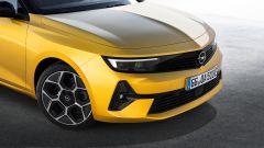 Nuova Opel Astra, plastica facciale e trapianto di cuore (ibrido) - Immagine: 11