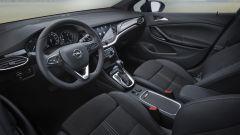 Nuova Opel Astra, gli interni