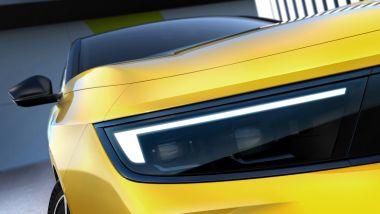 Nuova Opel Astra Hybrid: dettaglio dei fari Intelli-Lux LEDPixel Light