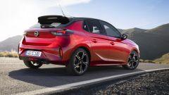 Nuova Opel Corsa, non solo la EV. I motori diesel e benzina - Immagine: 6