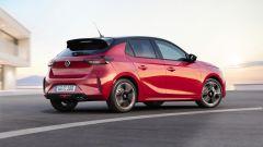 Nuova Opel Corsa 2019: una vista del 3/4 posteriore della GS Line