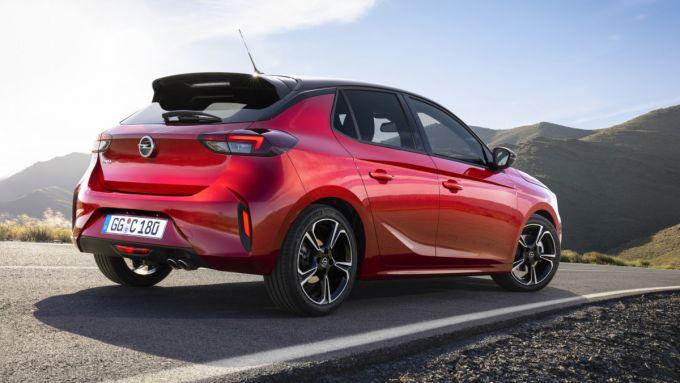 Nuova Opel Corsa 2019, una vista del 3/4 posteriore