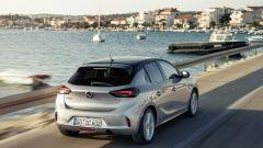 Nuova Opel Corsa 2020: vista dinamica di 3/4 posteriore