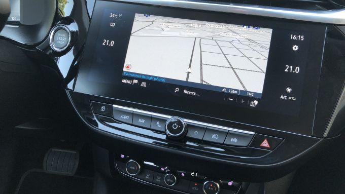 Nuova Opel Corsa-e: il display opzionale da 10'' del sistema infotainment