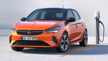 Nuova Opel Corsa-e: ricarica fino all'80% in mezz'ora da colonnine a 100 kW