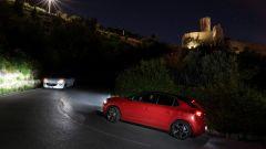 Nuova Opel Corsa: regolazione del fascio luminoso dei fari Intellilux LED