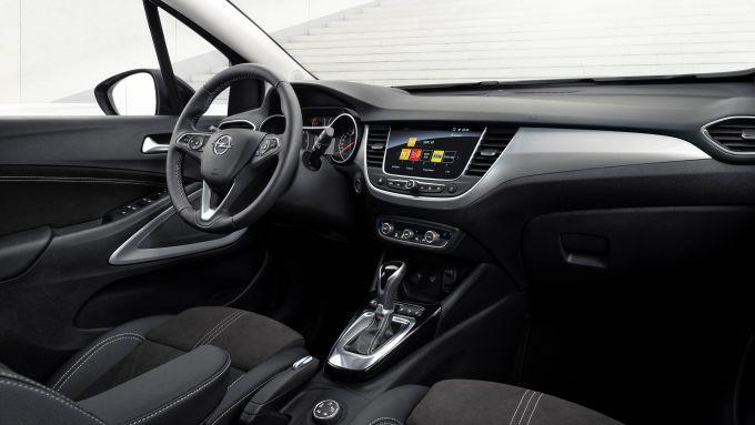Nuova Opel Crossland: interni