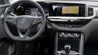 Nuova Opel Grandland: l'abitacolo ben rifinito e con il sistema Opel Pure Panel
