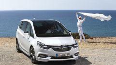 Nuova Opel Zafira 2017: nuovo look e più tecnologia - Immagine: 9