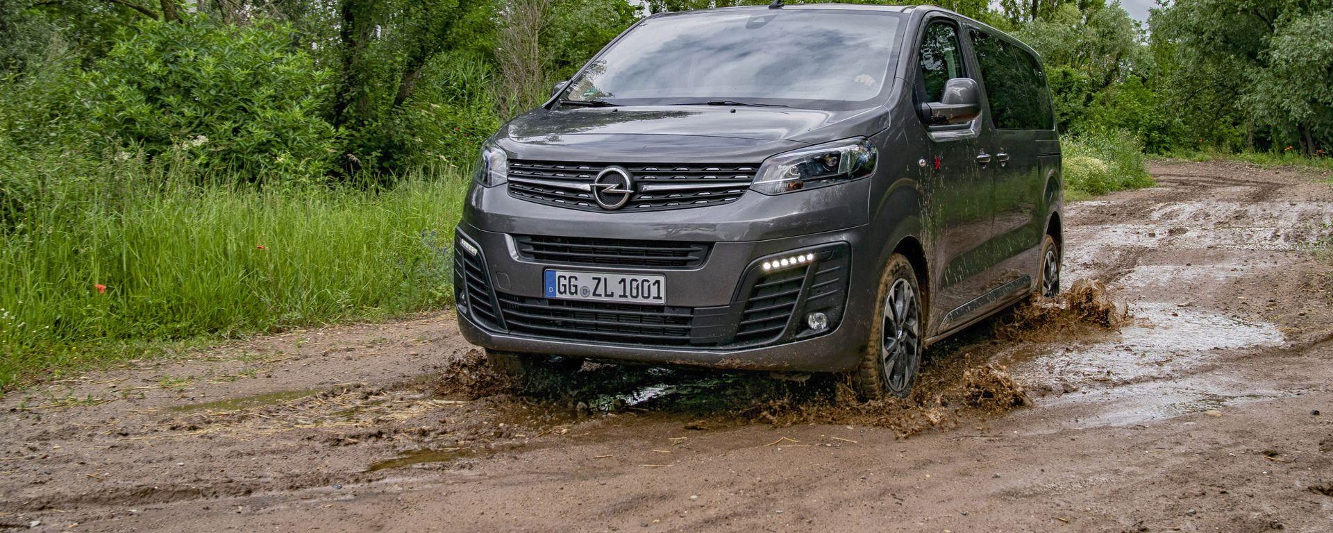 Nuova Opel Zafira Life, la comfort-volume che ama l'offroad