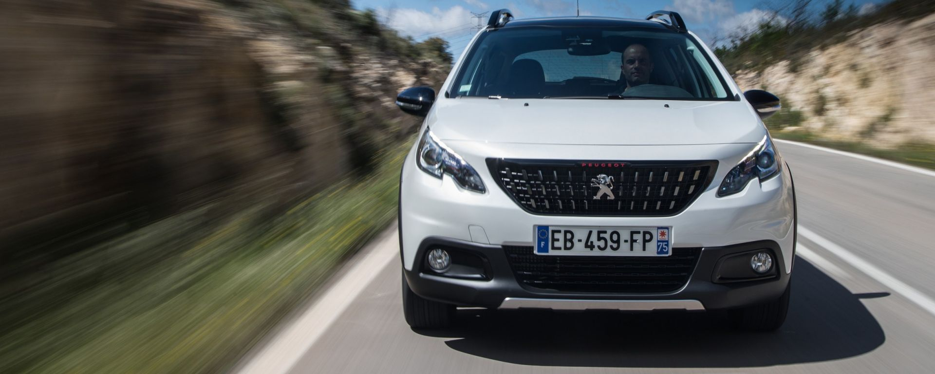 Nuova Peugeot 2008 frontale