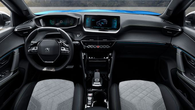 Nuova Peugeot 2008, gli interni