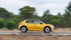 Nuova Peugeot 208: benzina o diesel? Ecco la prova su strada - Immagine: 4