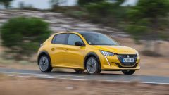 Nuova Peugeot 208: benzina o diesel? Ecco la prova su strada - Immagine: 2