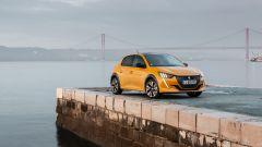 Nuova Peugeot 208: benzina o diesel? Ecco la prova su strada - Immagine: 23