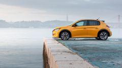 Nuova Peugeot 208: benzina o diesel? Ecco la prova su strada - Immagine: 24