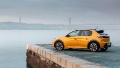 Nuova Peugeot 208: benzina o diesel? Ecco la prova su strada - Immagine: 25