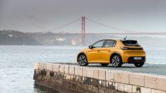 Nuova Peugeot 208: benzina o diesel? Ecco la prova su strada - Immagine: 29