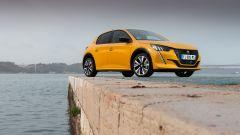 Nuova Peugeot 208: benzina o diesel? Ecco la prova su strada - Immagine: 30
