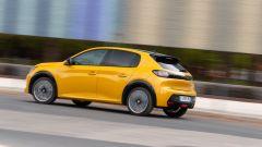 Nuova Peugeot 208: benzina o diesel? Ecco la prova su strada - Immagine: 33