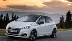 Peugeot 208 Black Line: 1.200 modi per sorprendere - Immagine: 6