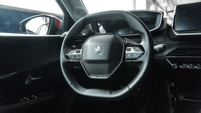 Nuova Peugeot 208, gli interni