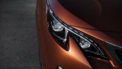 Nuova Peugeot 3008: i fari a led